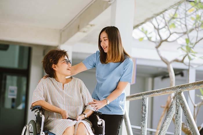 Phương pháp hoàn hảo nhất để giúp đỡ người tàn tật hoà nhập với cộng đồng chính là chăm sóc sức khỏe và phục hồi chức năng